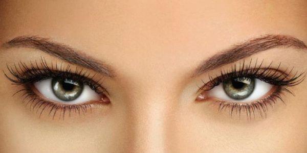 Цветные линзы окрашивают глаза в янтарный цвет