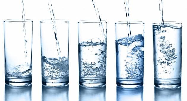 Выпивать 2 литра воды
