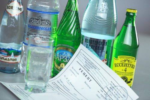 Какую минеральную воду пить при мочекаменной болезни. Как используется минеральная вода от камней в почках